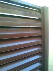 Навесные фасады, подвесные потолки и заборы из оцинкованного металла